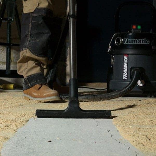 Numatic TEM 390 - Geschkt voor het opzuigen van bouwstof
